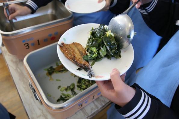 【もぐもぐ】学校給食の価値がわかる世代を育てよう